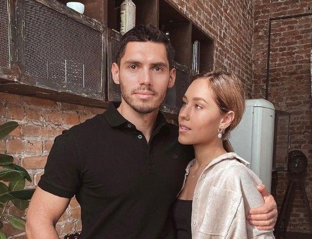 Никита Добрынин и Даша Квиткова рассказали о брачном контракте и семейной рутине