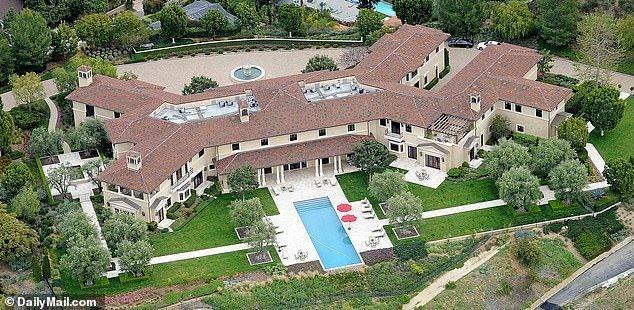Как выглядит роскошный особняк, в котором живут Меган Маркл и принц Гарри: ФОТО
