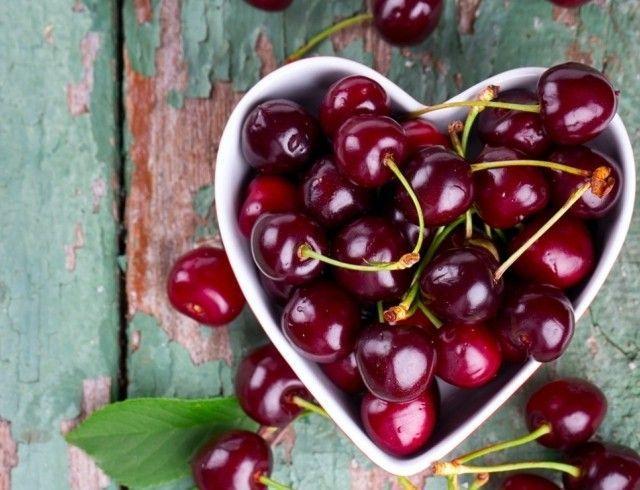 Все о черешне: польза и вред для здоровья, а также калорийность ягоды