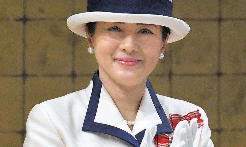 Императрица Японии показала идеальные брови