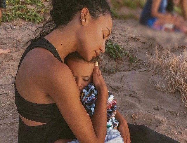 "Актриса из сериала ""Хор"" Ная Ривера пропала без вести на озере: ее сын найден в лодке"