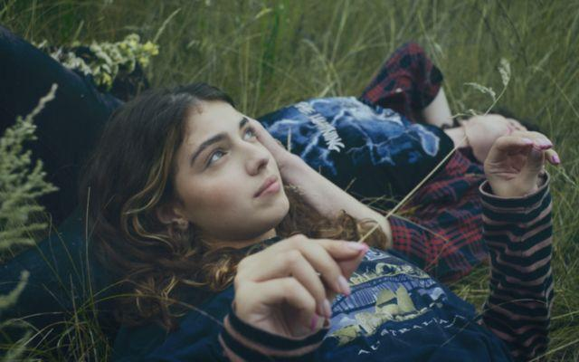 """То, чего больше никогда не будет: DANTES выпустил ностальгический клип о первой любви — """"Одноклассница"""""""