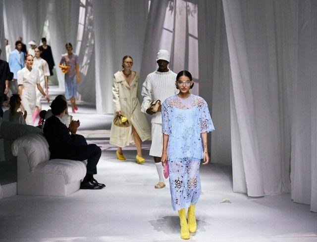 Неделя моды в Милане: Fendi выпустили коллекцию, вдохновленную карантином и пандемией (ФОТО)