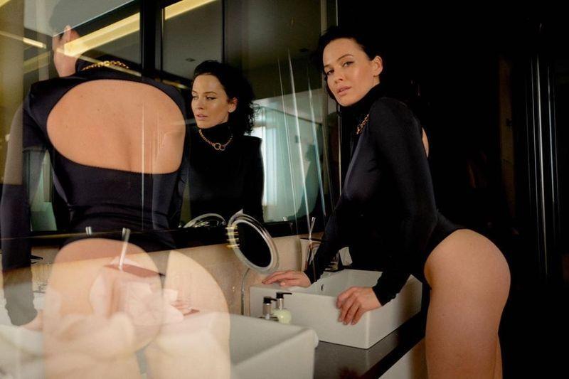 Даша Астафьева появилась на страницах Playboy Ukraine: пикантная фотосессия